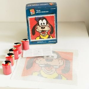 Vintage Disney Goofy Latch and hook Kit | 13 X 13